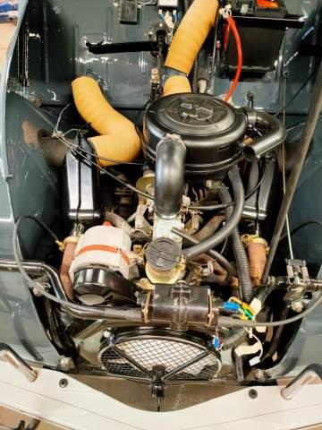 Rénovation d'une 2CV des années 60 à Morcenx dans les landes