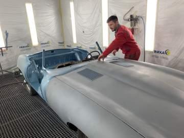 Peinture rénovation d'une Jaguar proche de la côte landaise