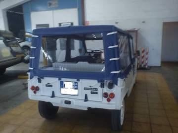 Restauration de véhicule Mehari dans les Landes